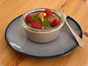 lunch-raspberry-cream-300x225